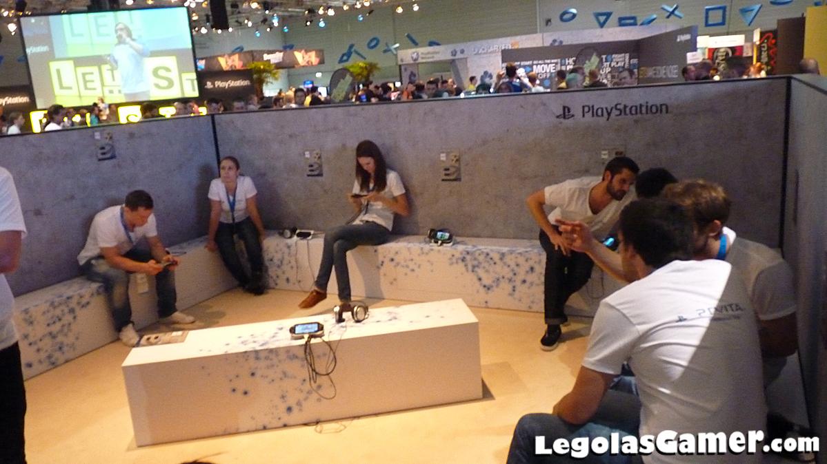 Les Babes Du Salon Et Les Photos Insolites De La Gamescom