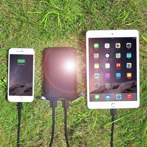 Aukey-batterie-recharge-solaire